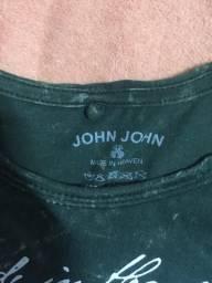 Duas Camisas john john (tamanho M)