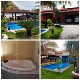 Casa próximo à Faculdade Uni-Anhanguera St. Sudoeste, 03 Qtos, 01 ste master, piscina