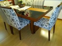 Mesa com 6 cadeiras Semi nova!
