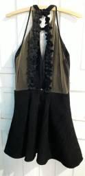 Vestido Preto. detalhes em tule e flores