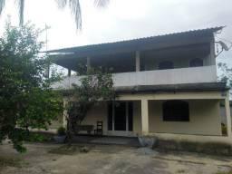 Casa grande c/ 2 terrenos
