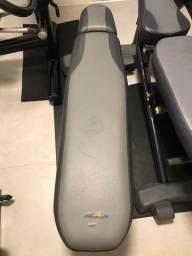Vendo banco reto (aparelho/equipamento para musculação/academia)