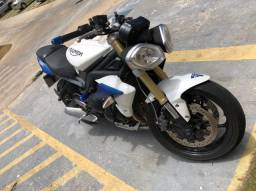 Vendo moto triumph street triple 675