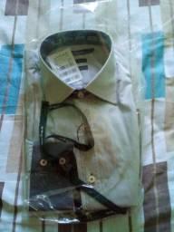 Camisa social UPPER. Novinha lacrada