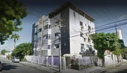 Cobertura de 03 quartos no cruzamento da Rua Nunes Valente com a Rua Francisco Holanda.