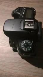 Câmera Canon EOS 70D