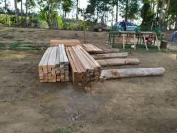 Madeira serrada e serviços de serraria móvel na propriedade rural