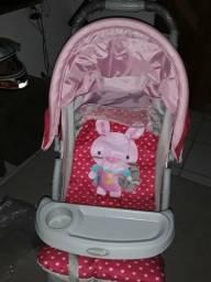 Vendo Carrinho de Bebê simi novo rosa