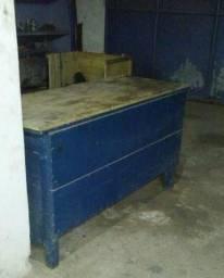 Vendo bancadas de madeiras para serviços e oficinas