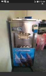 Maquina sorvete + batedor de milkshake 7 mil