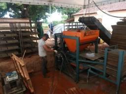 Maquina de Blocos e Pavers de Concreto - Hidráulica