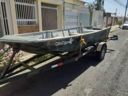 Vendo canoa 5 metros ( não tem carretinha)