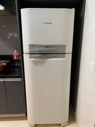 Geladeira Eletrolux Frost Free df46 400 litros