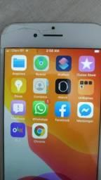 IPhone 7 red 128 gb trincado