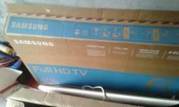 Vendo uma televisão Samsung de 40 polegadas smart