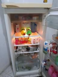 Vendo geladeira dúplex frost free