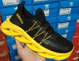 Título do anúncio: Tênis Masculino Adidas