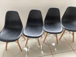 Título do anúncio: Cadeiras Charles Eames