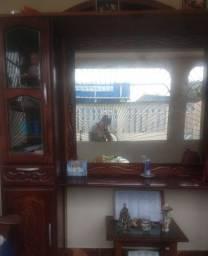 Armário com espelho de madeira legítima
