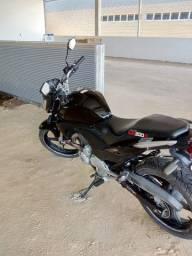 Vende-se moto 2011