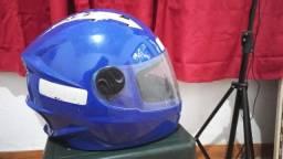 Título do anúncio: Vendo capacete de criança
