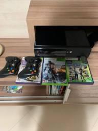 Xbox 360 2 ( 2 controles e 3 jogos)