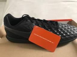 Chuteira - Nike Tiempo