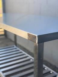 Título do anúncio: Mesa de apoio em aço inox