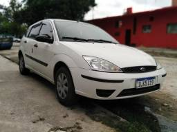 Ford focus 2004 hatch completo - 2004