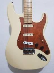 Strato Chinesa modelo Fender. Troco em xbox one S