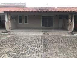 Alugo casa Gran Village Turu - 3 quartos (1 suíte)