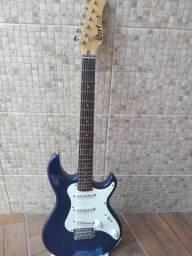 Guitarra cort