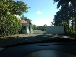 Vendo Apartamento MOBILIADO Condomínio Raimanville - 2 VAGAS DE GARAGEM