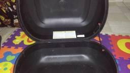 Vende-se caixa de moto com adaptador