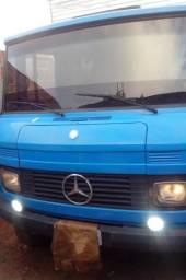 Caminhão 708E mercedes bau - 1987