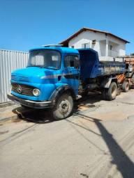 Caminhão 1113 na caçamba