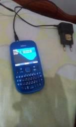 Celular antigo Nokia com Carregador