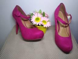 Sapatos num 37/ 38 (valores na descrição)