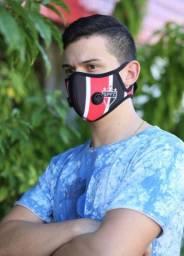 Máscara com 2 filtro, muito confortável.