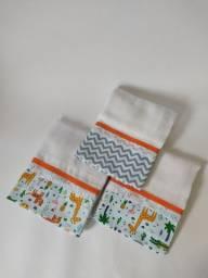 Fraldas e toalhas personalizadas