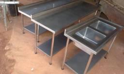 Mesas e pias  para cozinha industrial