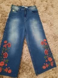 Calça pantacourt jeans colcci