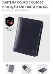 Título do anúncio: Carteira de couro com proteção anti furto de dados RFID