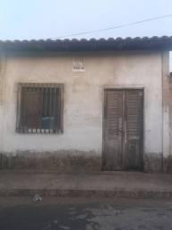 Vendo essa casa com sala 2 quartos cozinha com o banheiro dentro.local Vila brasil