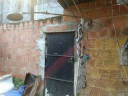 Vendo casa simples 15.000 reais aceito oferta