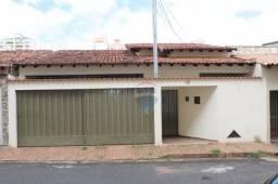 Casa com 3 dormitórios à venda, 223 m² por R$ 380.000,00 - Santa Maria - Uberlândia/MG