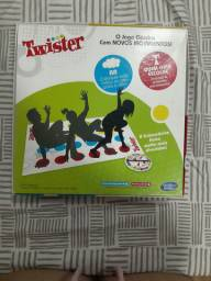 Jogo Twister com novos movimentos