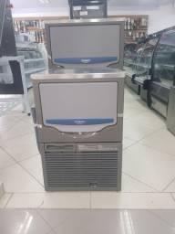 Máquina de gelo 45 kg  - Gizelle