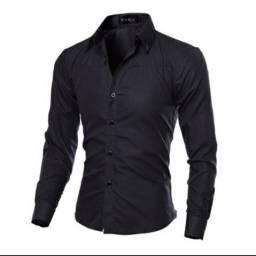 Vendo camisa social slim preta , nunca usada !