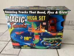 Pista de carrinho Magic Track Mega Set 18ft
